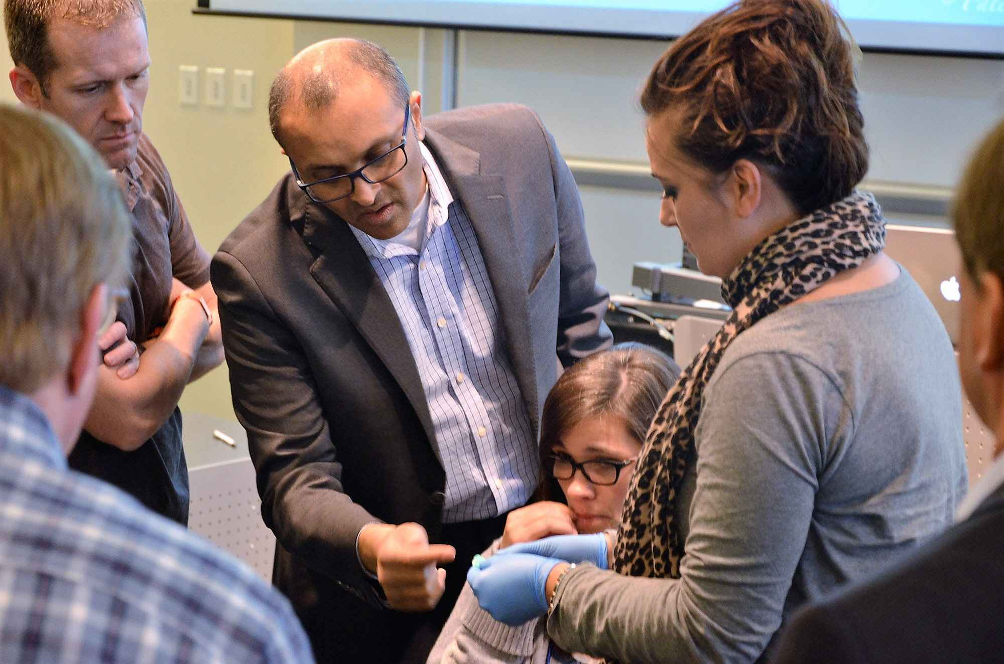 Mayoor Patel showing attendees how to treat obstructive sleep apnea at our dental sleep medicine course